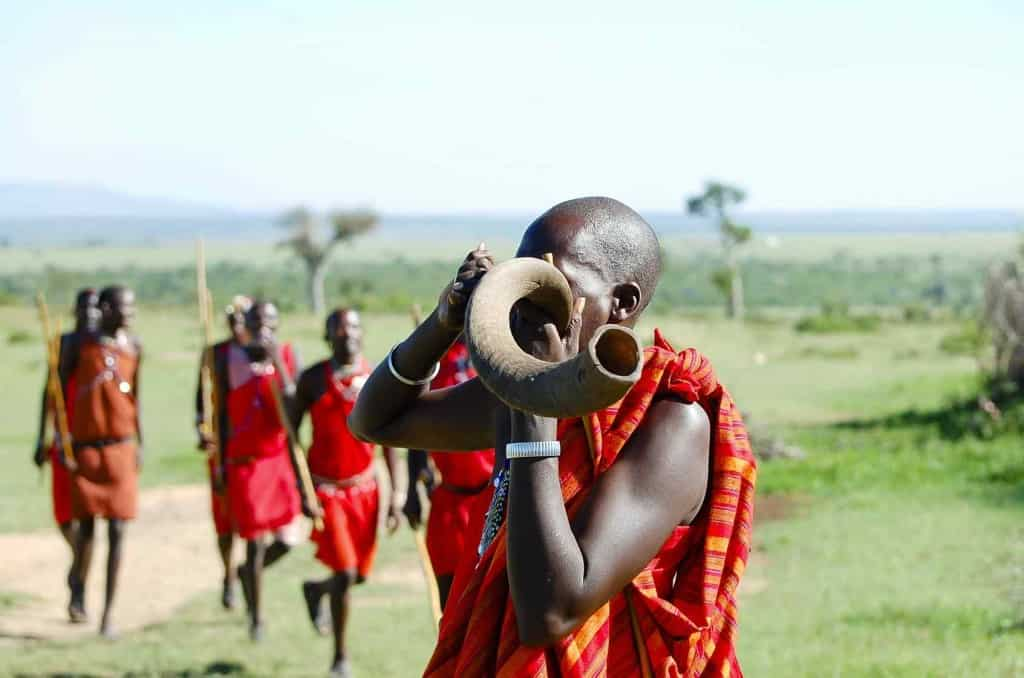 Safari kenya experience wildlife, sightseeing, culture and learn history of the country